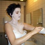 Fast nicht ganz jugendfrei: Petra Kriehn in ihrer physischen Umwandlung zu Geist